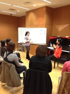 失語症の方の発語を促す歌のプログラム